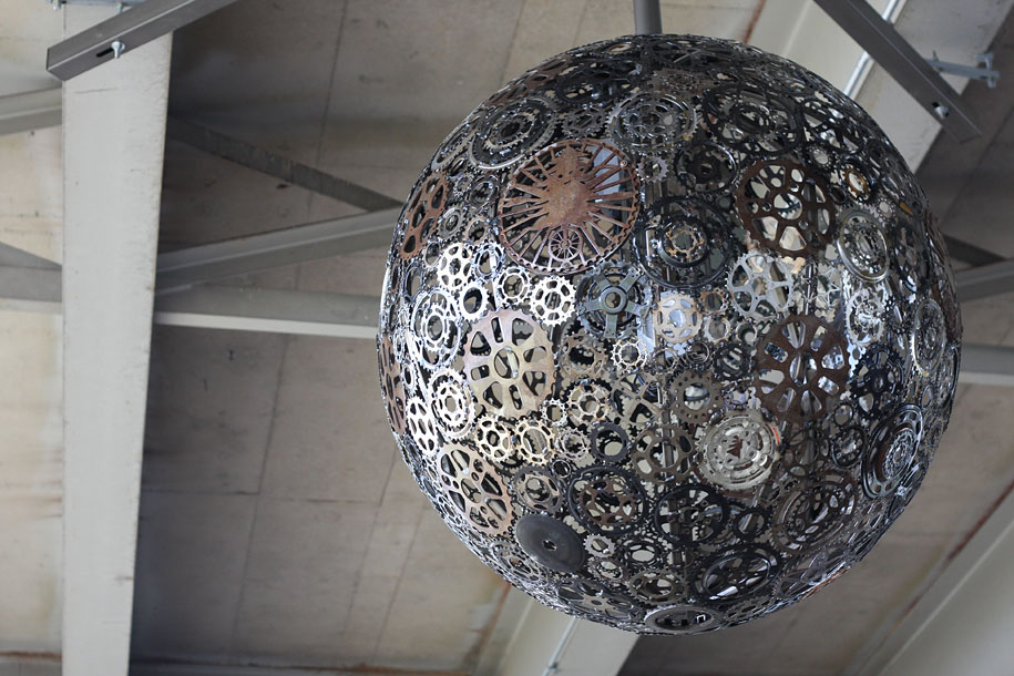 recycled-bike-part-chandeliers-7